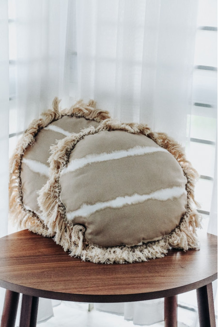 Round cushion cover fringe edge with pillow filler