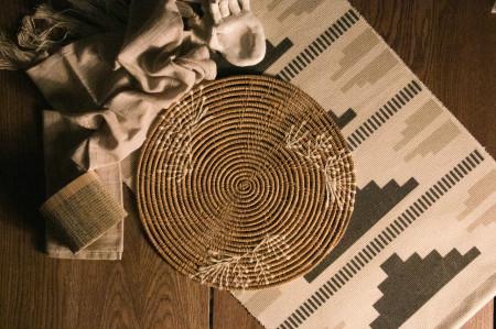 Handmade palm fiber placemat 2/3 leaf design